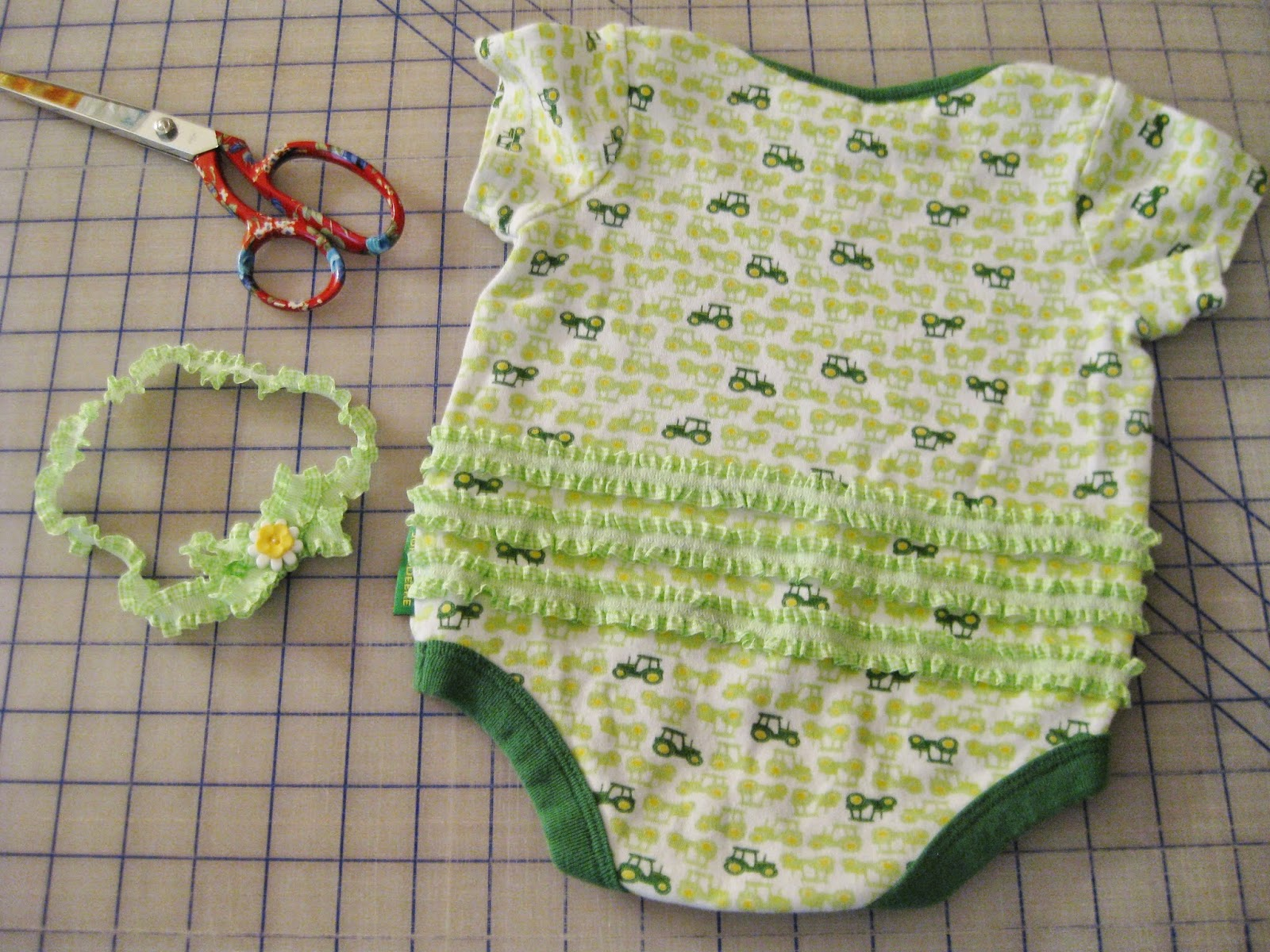 How to Make a Boring Onesie Girly | bonnieprojects.blogspot.com