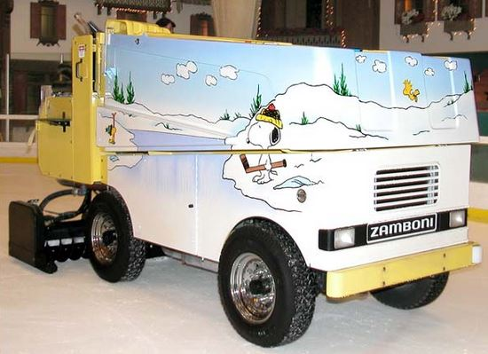Just a car guy snoopy 39 s home ice zamboni at the redwood for Home zamboni