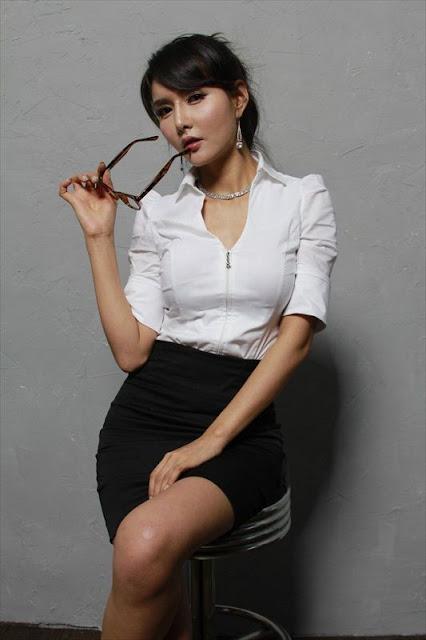 Cha Sun Hwa in white shirt