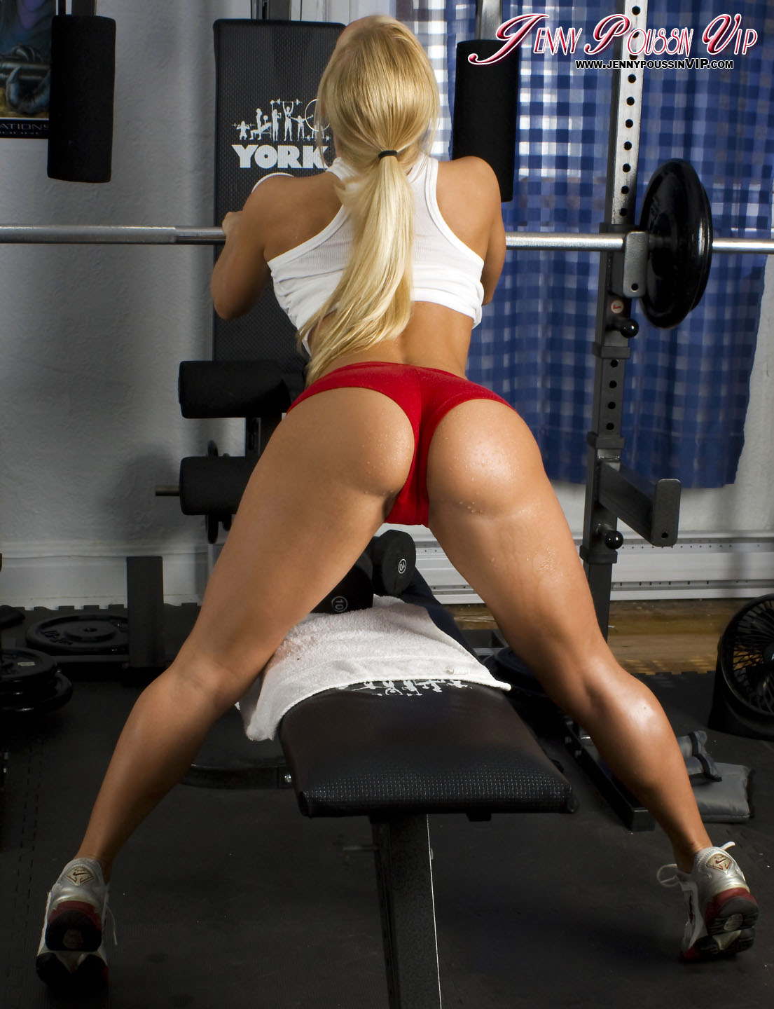 Wish someone squat girl hot