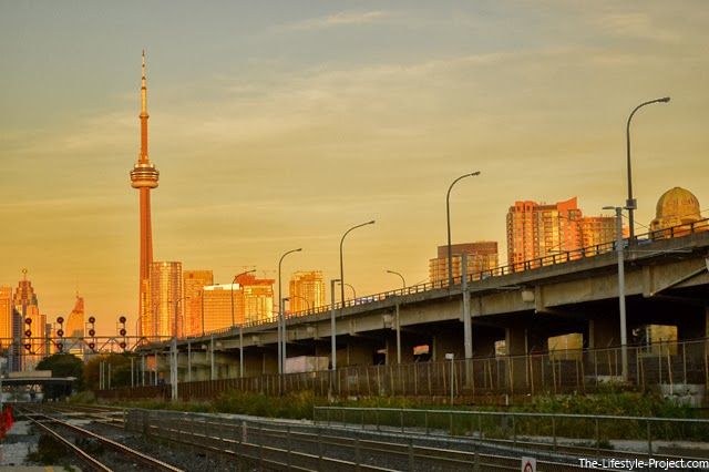 cn-tower-sunset