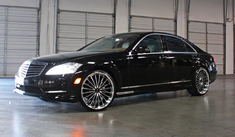Giovanna wheels shows off a mercedes s550 doing donuts for 24 inch mercedes benz rims