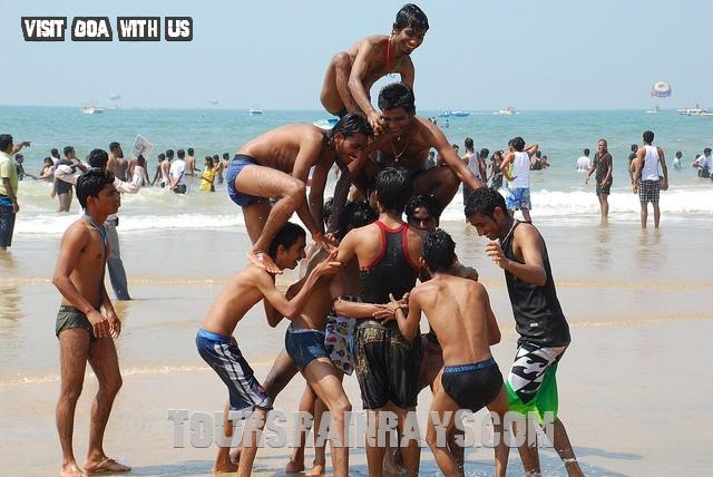 Calangute Beach Tourist Goa India. Get Hot india tour. Untimate india tour.best tour of India