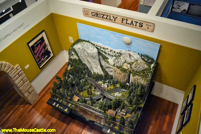 Yosemite Valley train diorama