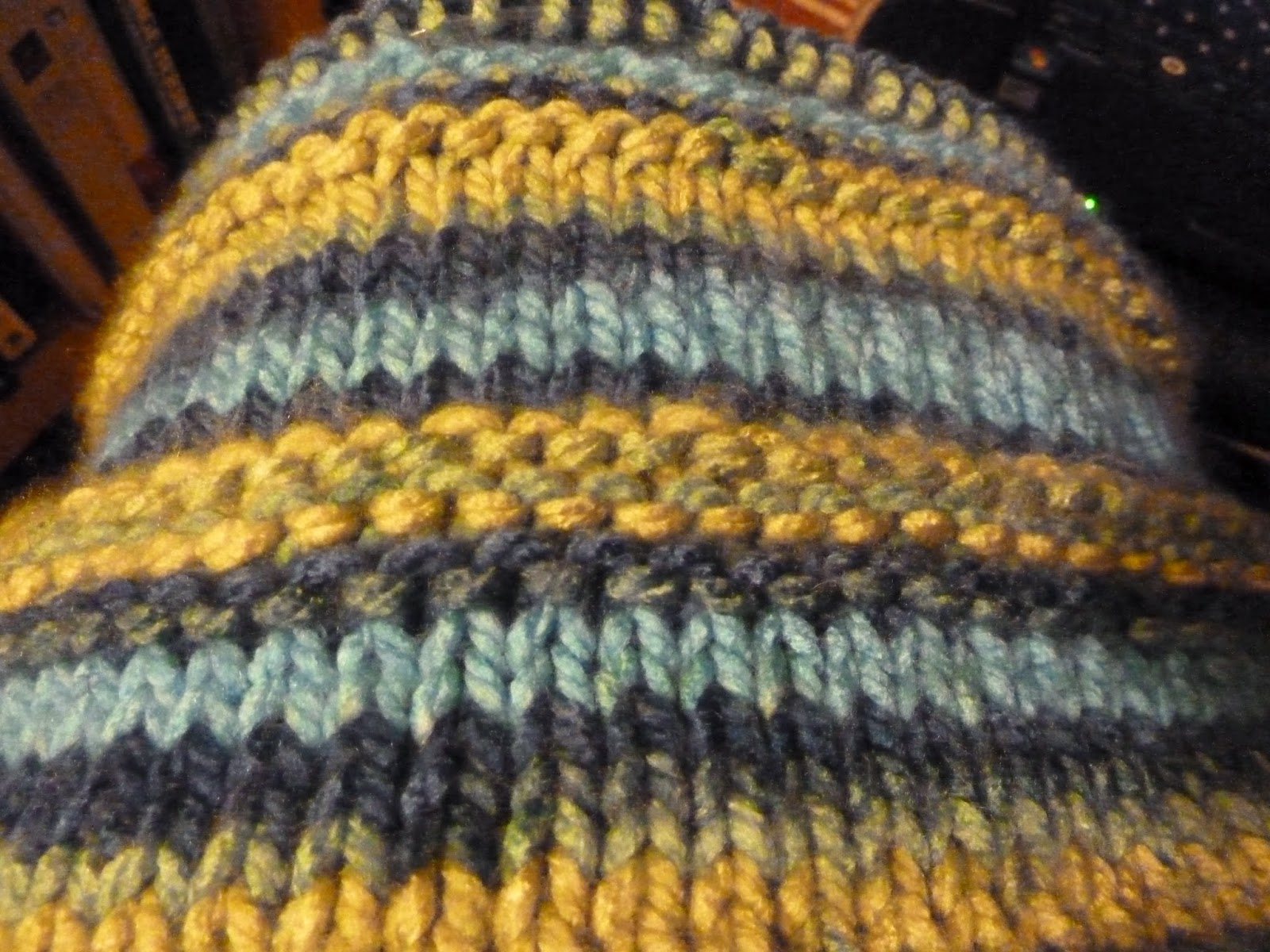 Knitting Stitch Patterns For Variegated Yarn : Marlenes Space: A New Knitting Project: A Knit Afghan