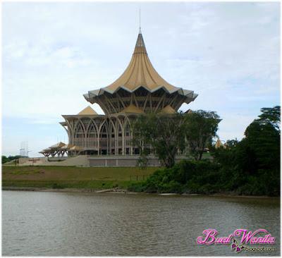 Sekadar Hiasan. Bangunan Di Kuching Sarawak