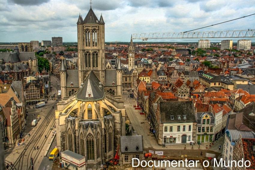 Igreja de São Nicolau; Sint-Niklaaskerk; Gent; Bélgica; Flandres; As torres de Gent