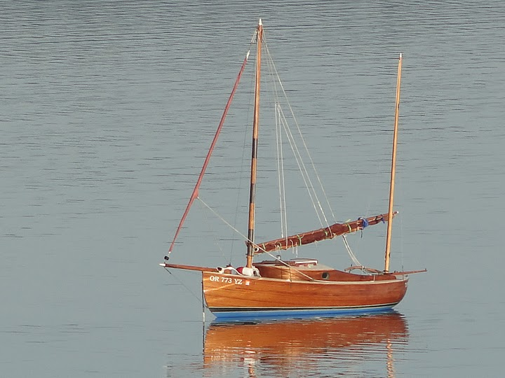 Eel Canoe Yawl Sailboat