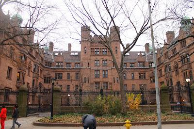 A Harvard után a Yale egyetemen is milliós ösztöndíjat alapított egy kínai milliárdos pár