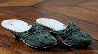 Zapatillas de María Antonieta. Museo Lambinet. Lacasamundo.com