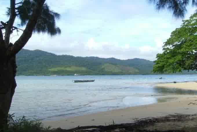 Wisata Ke Pantai Mailan Makbon