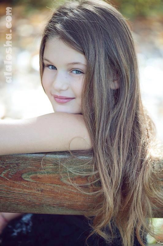 Alalosha vogue enfants child model of the day aurora