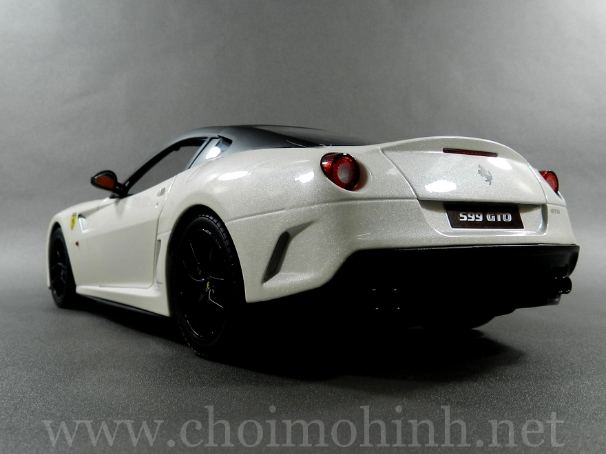 Ferrari 599 GTO 1:18 Hot Wheels back