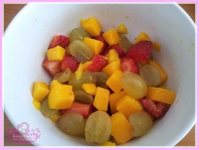 Salada de frutas com sorvete no cascão