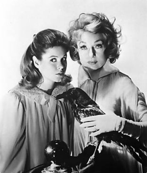 Samantha-and-Endora-bewitched-2455130-487-573.jpg