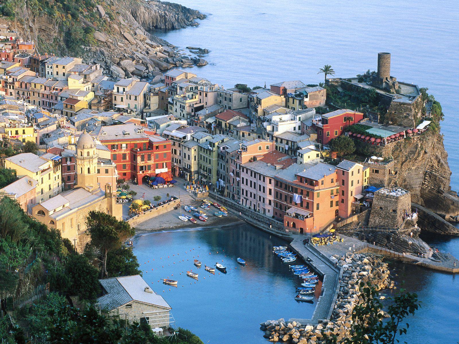 http://4.bp.blogspot.com/-sn1TJd5V_4Y/Tcp5NcXxA8I/AAAAAAAACYs/l3DF_ITcMMM/s1600/Vernazza%252C+Cinque+Terre%252C+Liguria%252C+Italy.jpg