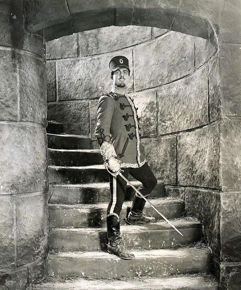 the prisoner of zenda Tell us where you are looking for movie tickets enter your location to see which movie theaters are playing the prisoner of zenda (1922) near you.