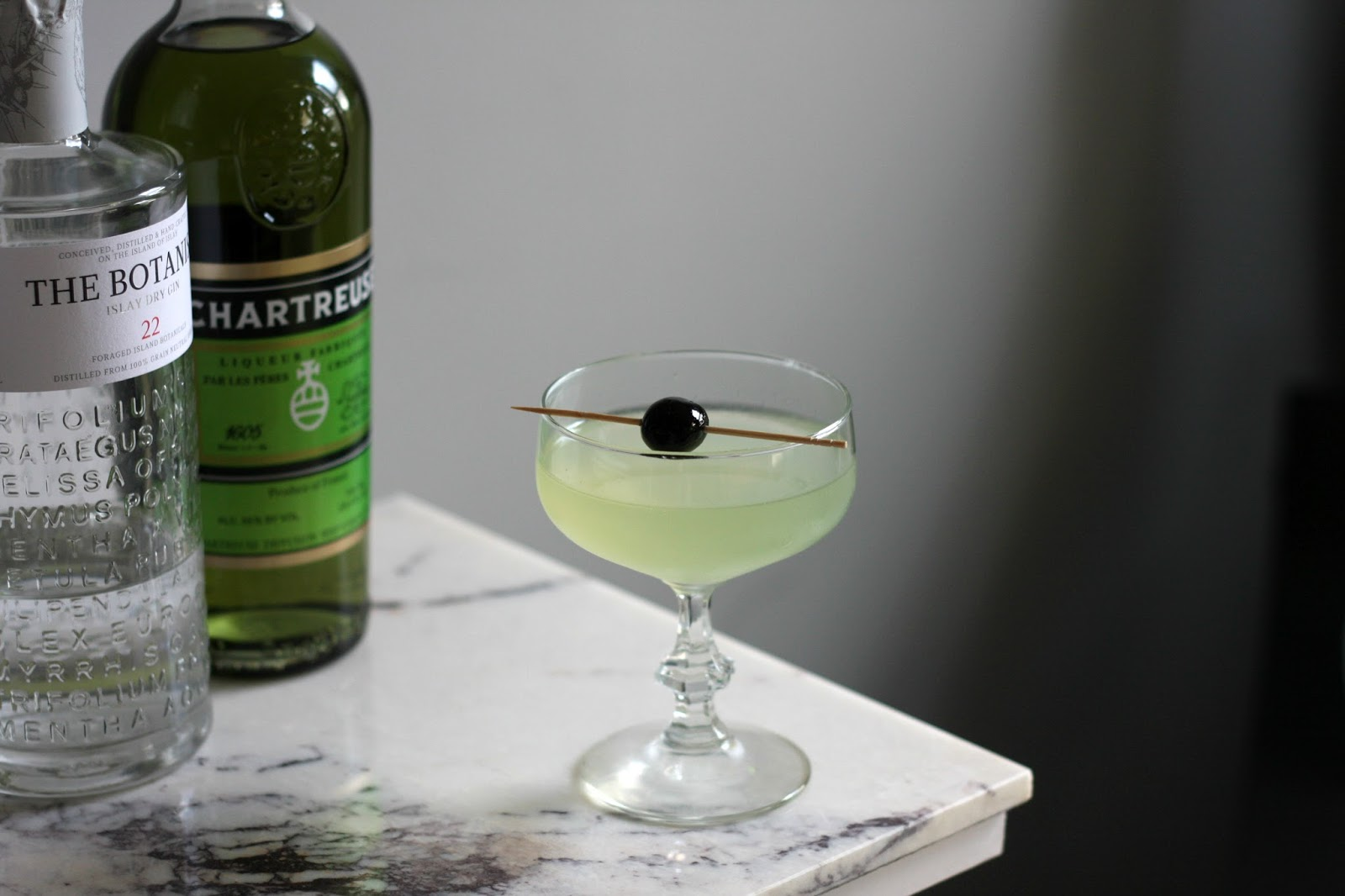 Garnish for Cocktail chartreuse