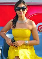 Madhu, shalini, hot, photos, in, yellow, tight, dress