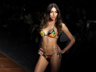 Transexual Lea T. no desfile Fashion Rio