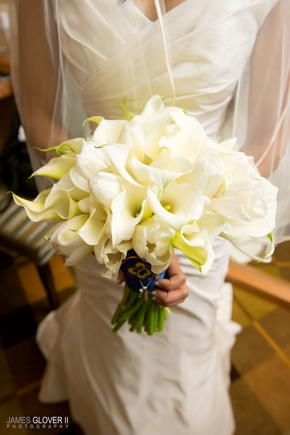 White Bridal Bouquet by B&B Designs | James Glover Photography | Take the Cake Events