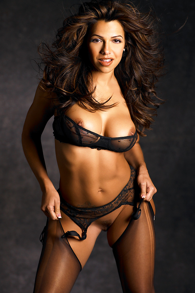 Vida Nude Pictures 107
