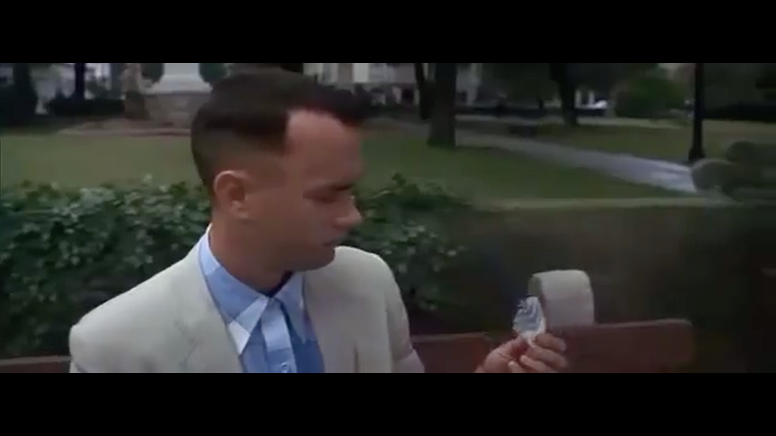 what does the feather represent in forrest gump