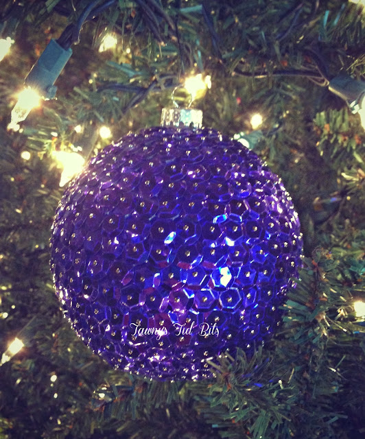 http://tawnystidbits.blogspot.com/2013/12/12-days-of-diy-ornaments.html