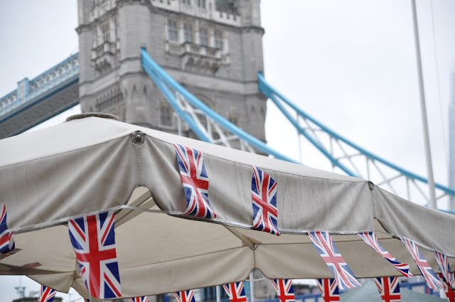 Queen+Diamond+Jubilee+Thames+Pageant+photo+Tower+Bridge
