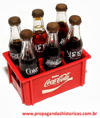 Coleção de Mini Garrafinhas da Coca-Cola nos anos 80.