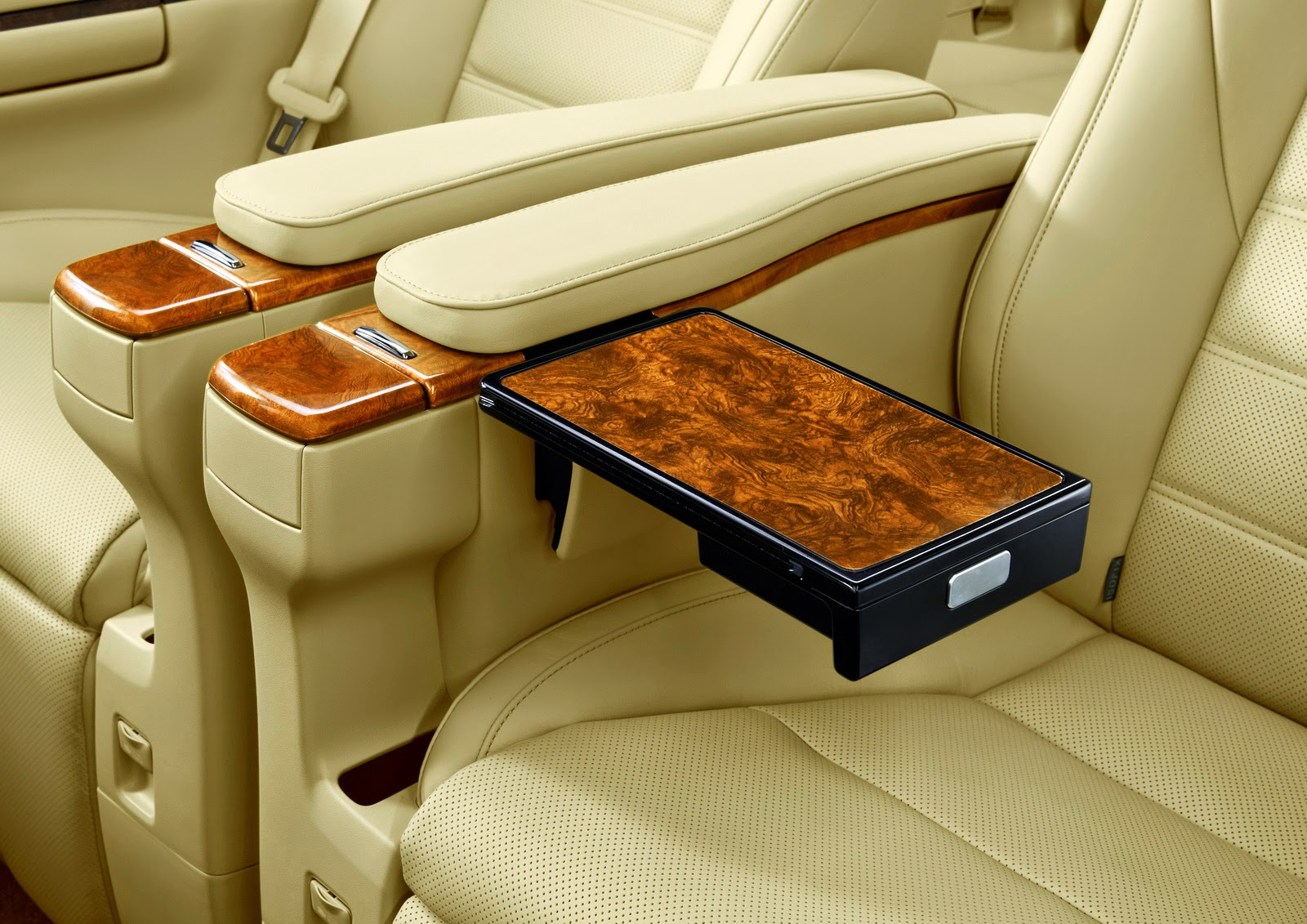 Interior Mobil Toyota All New Alphard 2015