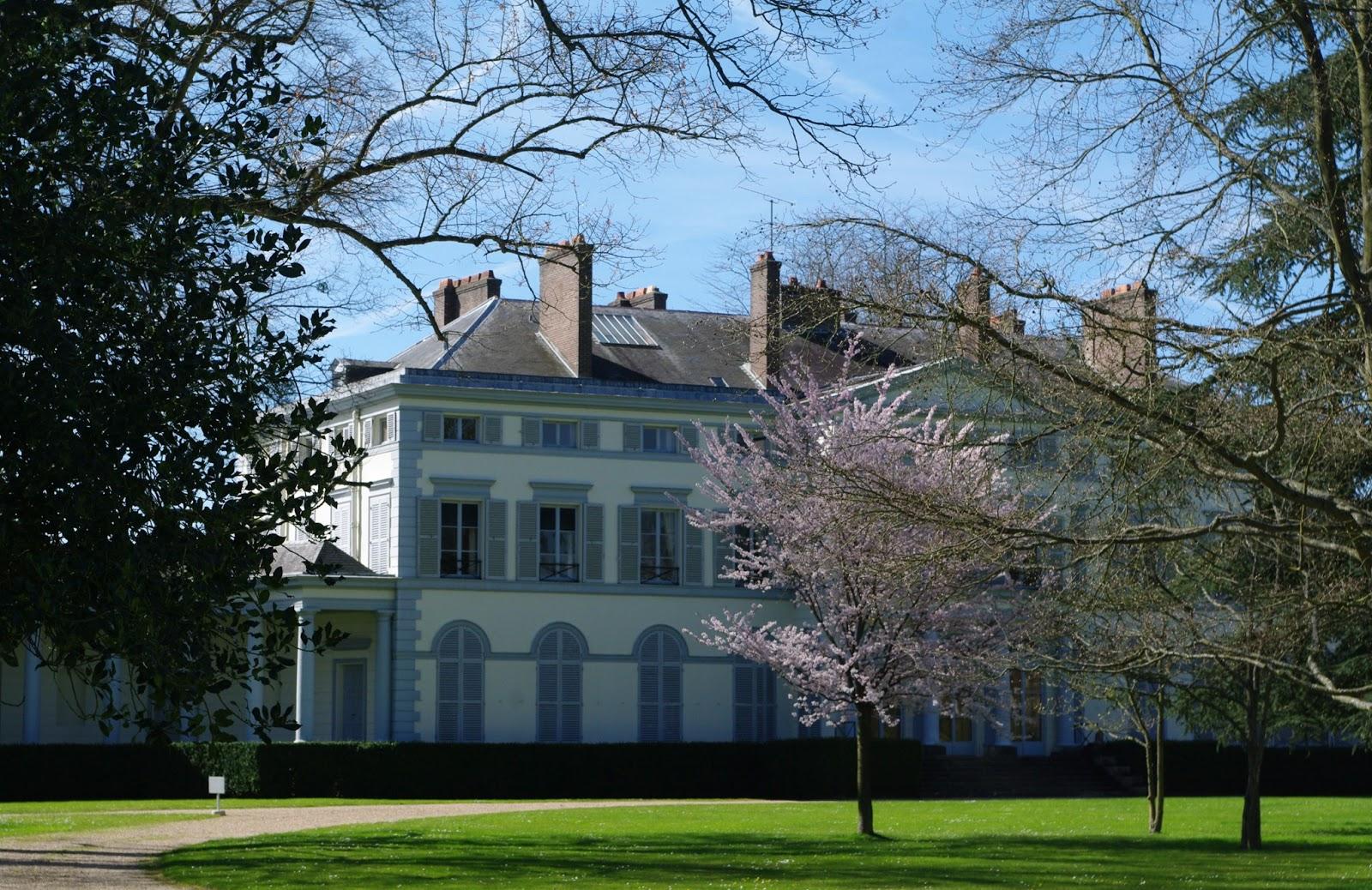 Charmes m connus du hurepoix les folies du domaine de groussay - Chateau de groussay montfort l amaury ...