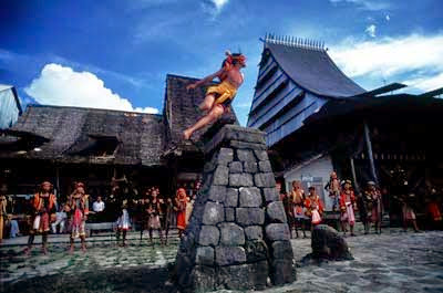 http://4.bp.blogspot.com/-soZ4bnyStK0/U22irhzlXRI/AAAAAAAAAjI/9aHrk2y27kk/s1600/Cyber+Kazuya_Zawo-zawo+Olahraga+asli+indonesia.jpg