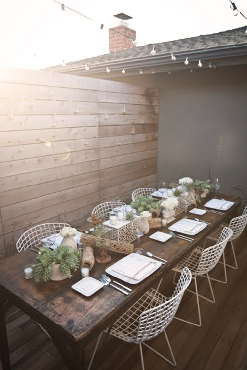 in love with this modern and rustic patio table and chairs so lovely