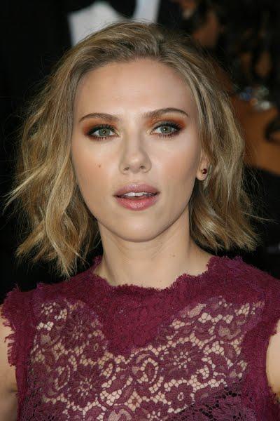 scarlett johansson gif. Scarlett Johansson and Sean