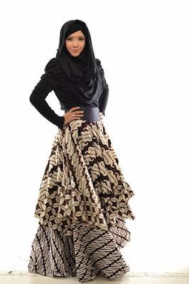Inspirasi model Baju Muslim Batik Solo Untuk Tampil Menawan