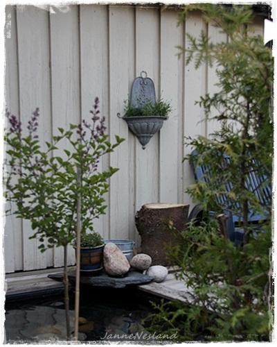 Jannes kreative verden: enkel benk og blomster i ovn:))