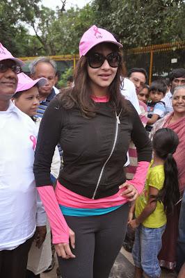 Manchu lakshmi prasanna photos in tights at pink ribbon walk 2013
