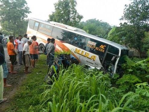 Kecelakaan Bus Pariwisata