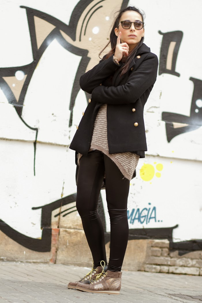 Fashion Look with coat, leggins and sneakers Made In Spain