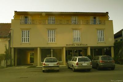 Hotel Vanilla Timisoara Strada Eroilor de la Tisa-superb hotel-gorgeous host