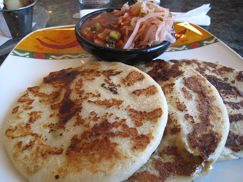 Recetas saludables: Pupusas salvadoreñas de chicharrones y frijoles