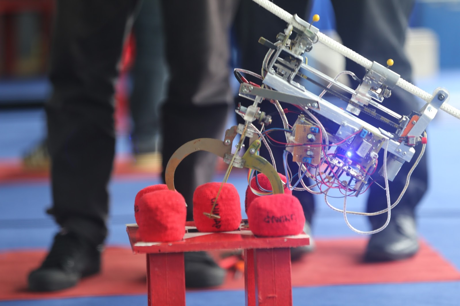 star climbing robot Title: stair climbing robot faculty:  stair climber is a traversing mechanism used to climb a step of stairs in an indoor environment effectively.