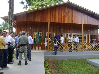 Prefeito James Gomes inaugura prédio do CRAS