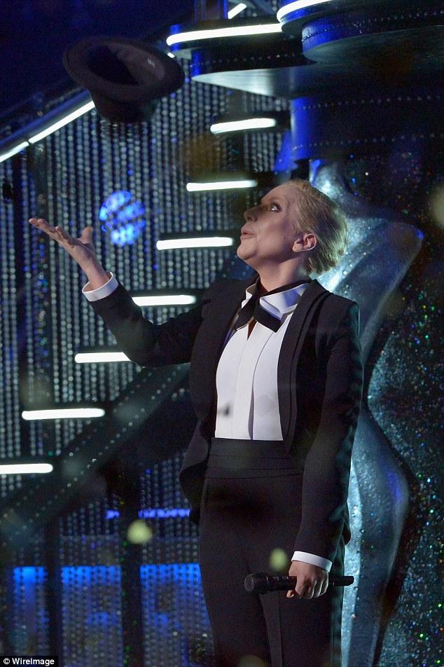 Lady Gaga canta en el Sinatra 100: An All-Star Grammy Concert en Las Vegas