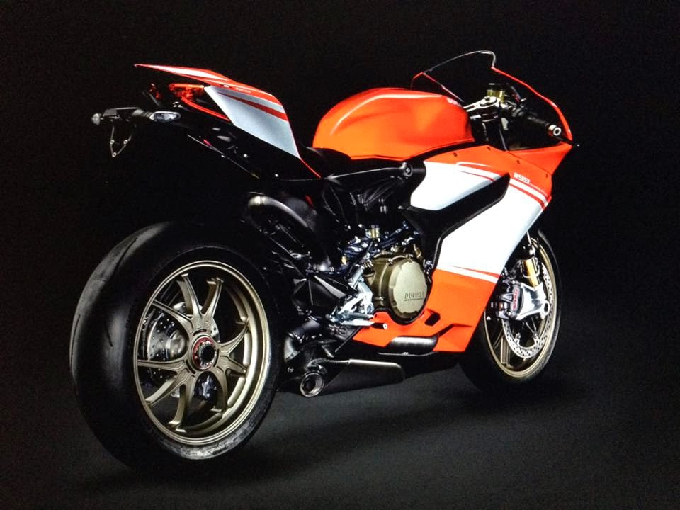 2014 1199 Superleggera Ducati Pictures: Tigho NYDucati 4