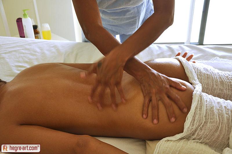 Фото массаж голый