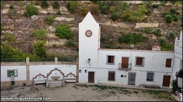 Molinicos-antiguo-ayuntamiento-plaza