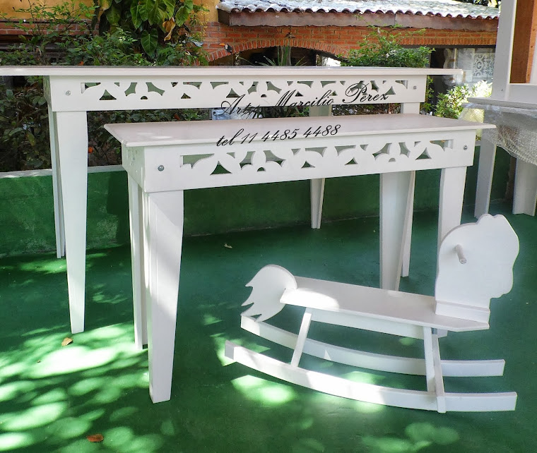 Conjunto de mesas provençais Routher  R$ 730,00 medidas 1,60x80x80 e 1x36x65A