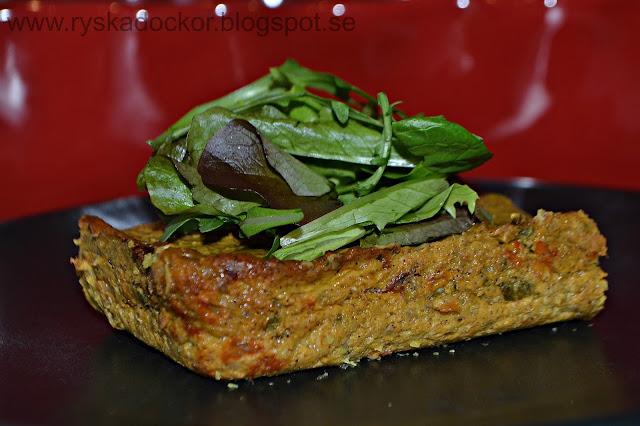 Gratinerad sötpotatismos smaksatt med zucchini, saganaki och pistagenötter :)